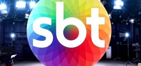 Elton Fernandes entrevistado pelo SBT