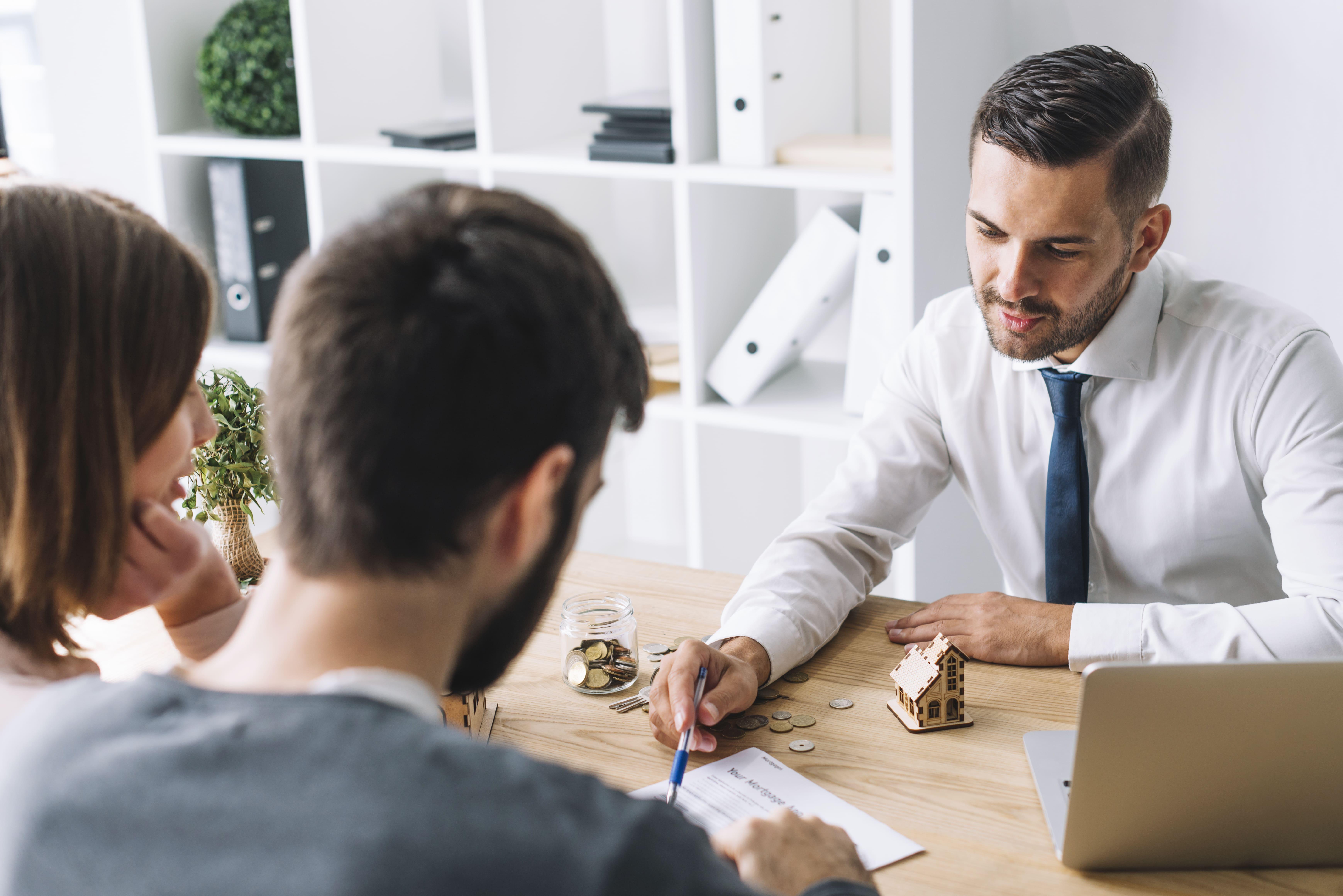 Saiba quando contratar um advogado especialista em seguros