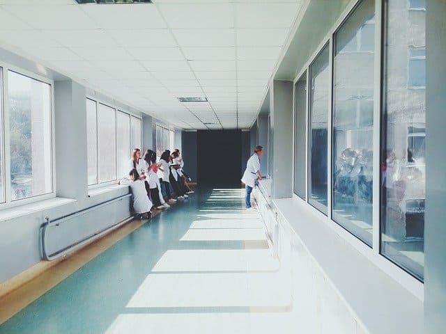 Manutenção do plano de saúde cancelado pode ser obtida judicialmente