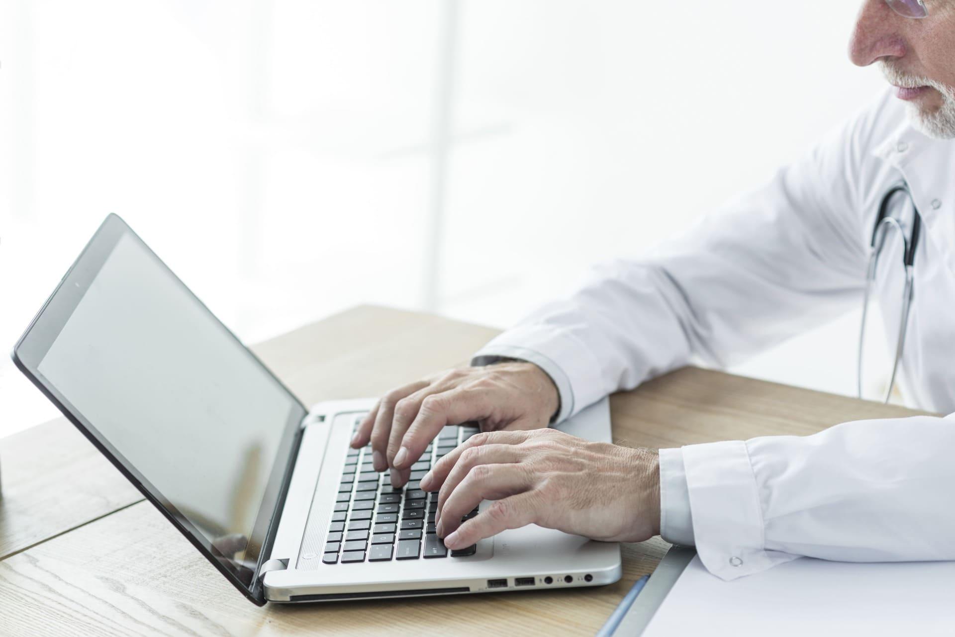 Médico fora do plano de saúde pode redigir relatório médico